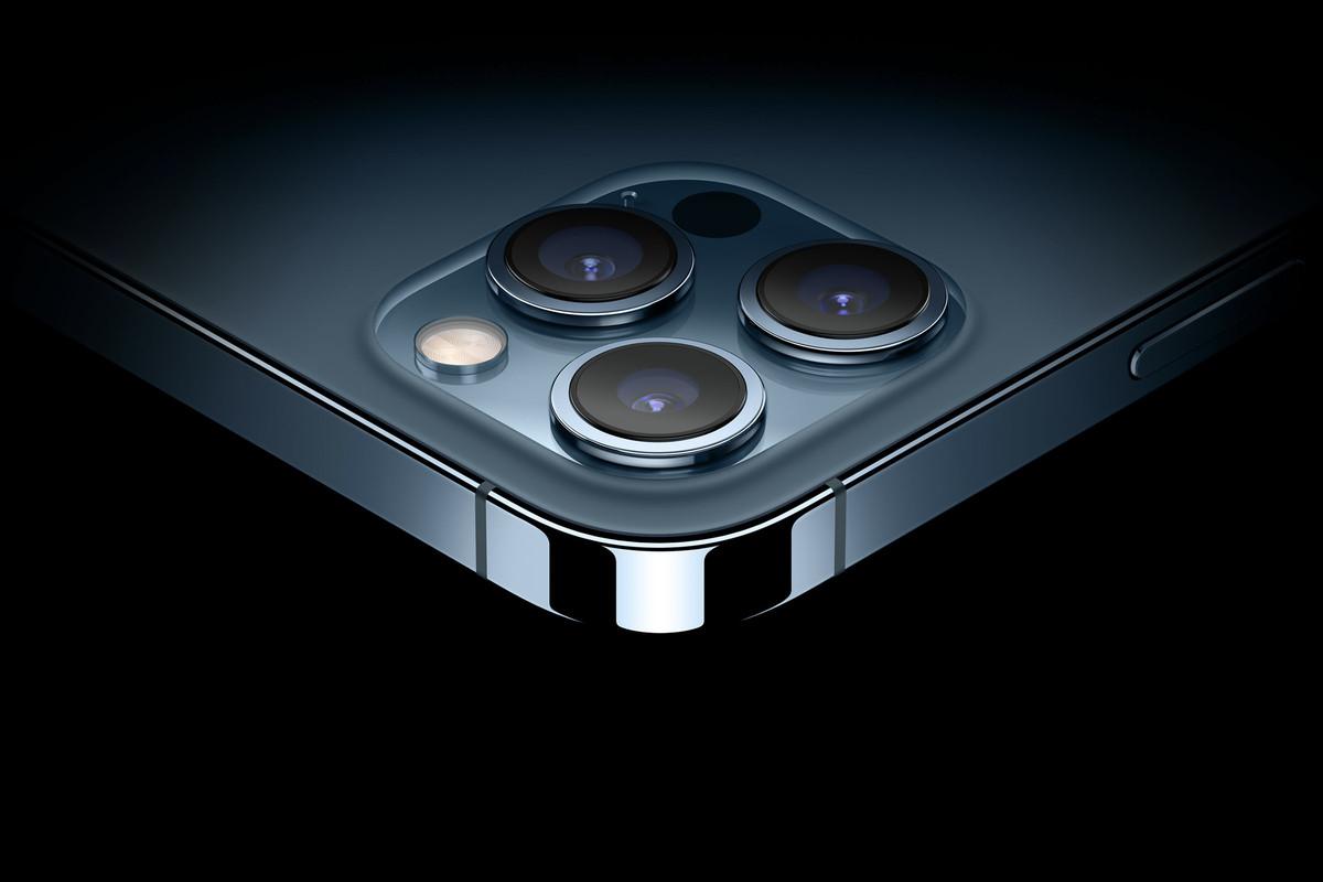 كاميرات Apple iPhone 12 Pro Max الخلفية